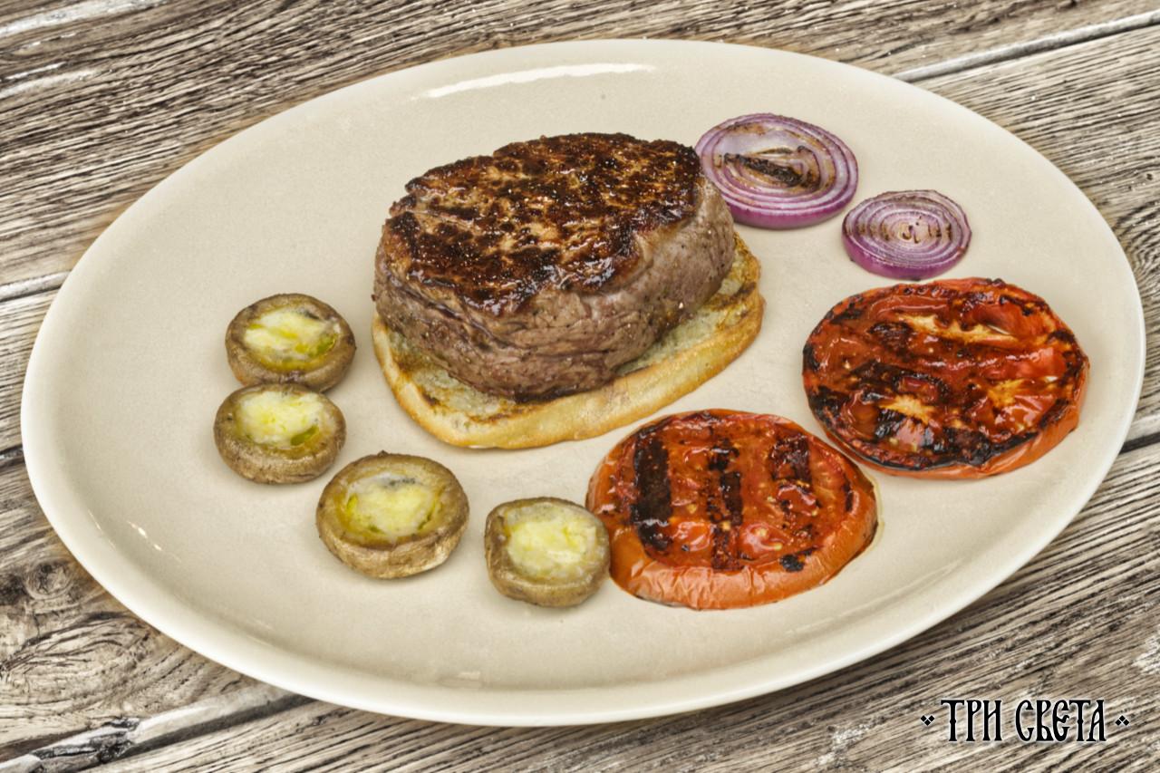 Juneći biftek na žaru - Specijalitet restorana Tri sveta